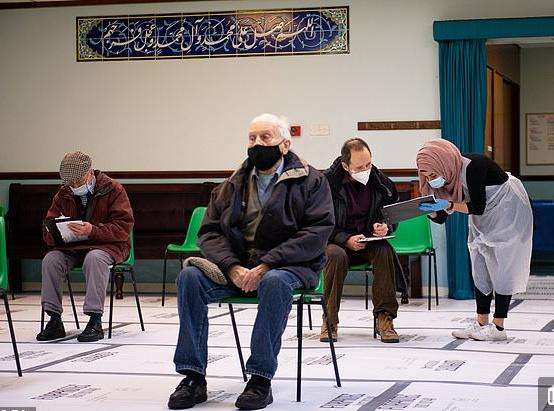 تحويل مسجد فى بريطانيا لمركز لتطعيم فيروس كورونا
