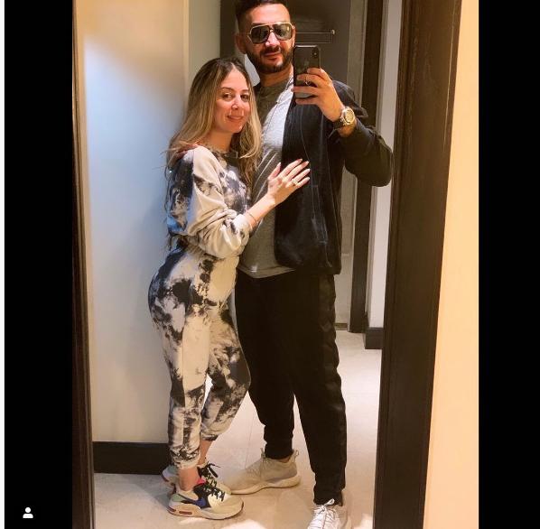نادر حمدي وزوجته