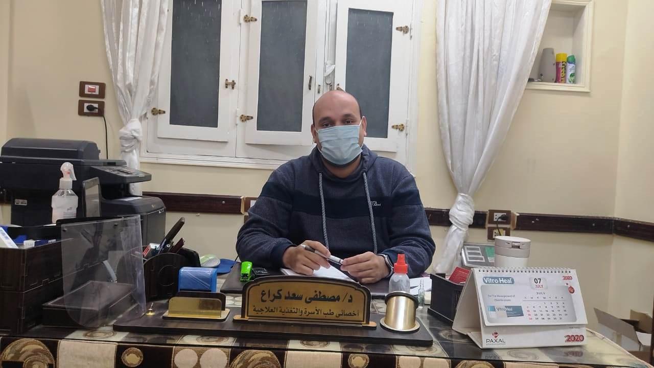 مصطفي سعد كراع يقوم بفتح عيادته لمرضي الغسيل الكلوي الغير قادرين بالمجان