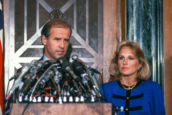 بايدن يعقد مؤتمرا صحفيا للإعلان عن انسحابه من السباق الرئاسي عام 1987