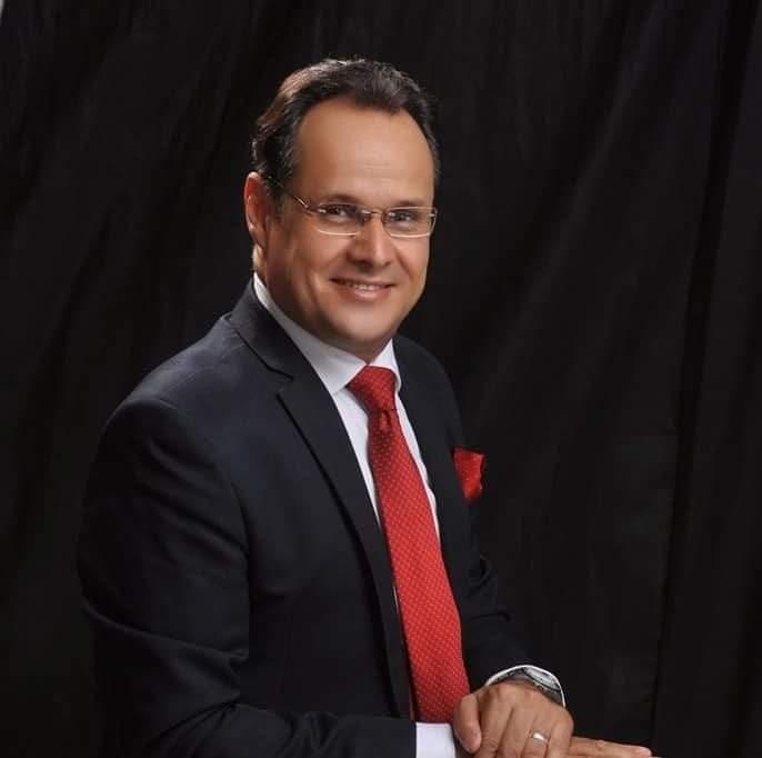 الدكتور حسام فاروق