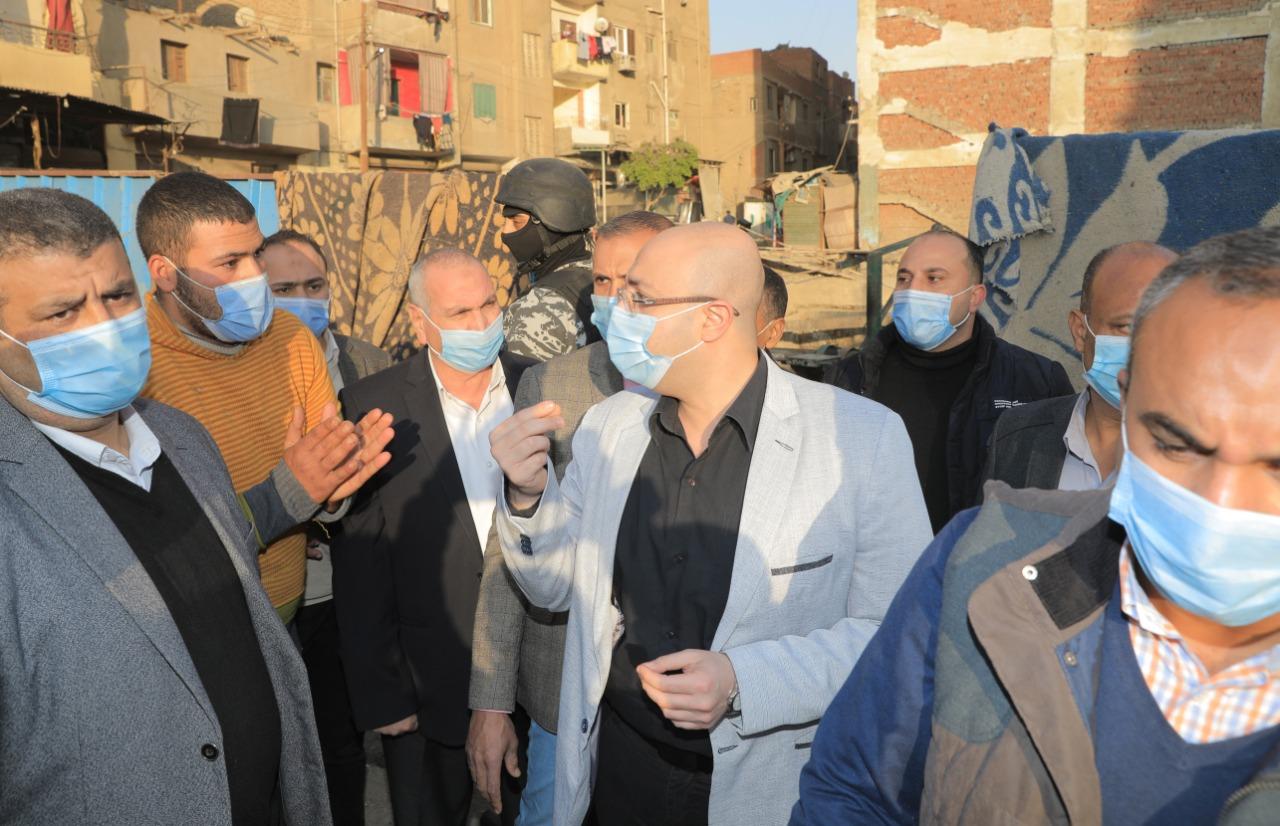 محافظ بنى سويف يتفقد سوق الدهشورى (6)