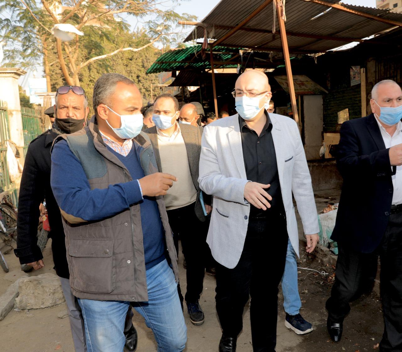 محافظ بنى سويف يتفقد سوق الدهشورى (8)