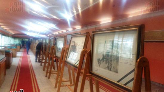 لوحات توثق معركة الشرطة داخل متحف الشرطة بالاسماعيلية (6)