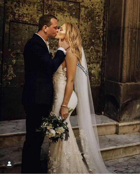 زواج جينيفر لوبيز في صورة مفبركة