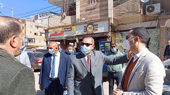 المحافظات تواصل حملاتها على مخالفات إرتداء الكمامات