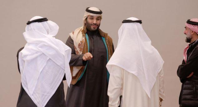 محمد بن سلمان يتحدث للحضور