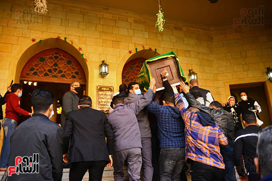 دخول الجثمان المسجد للصلاة عليه