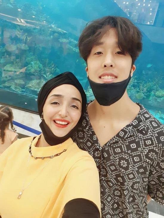 مايا وزوجها الكورى