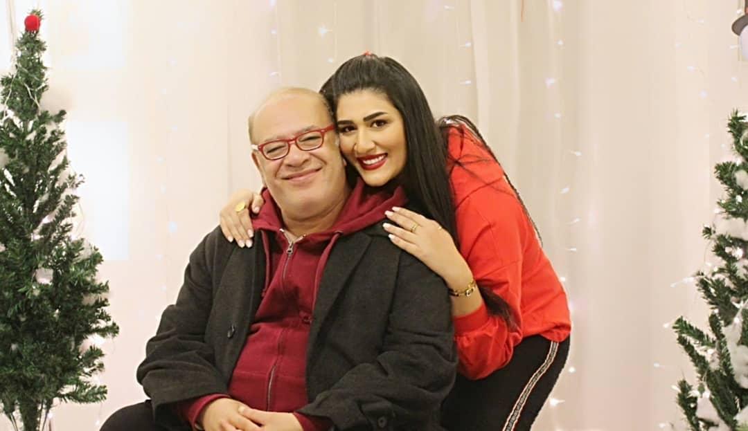 دنيا صلاح عبد الله مع والدها