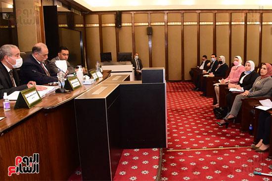 جانب من اجتماع اللجنة (5)