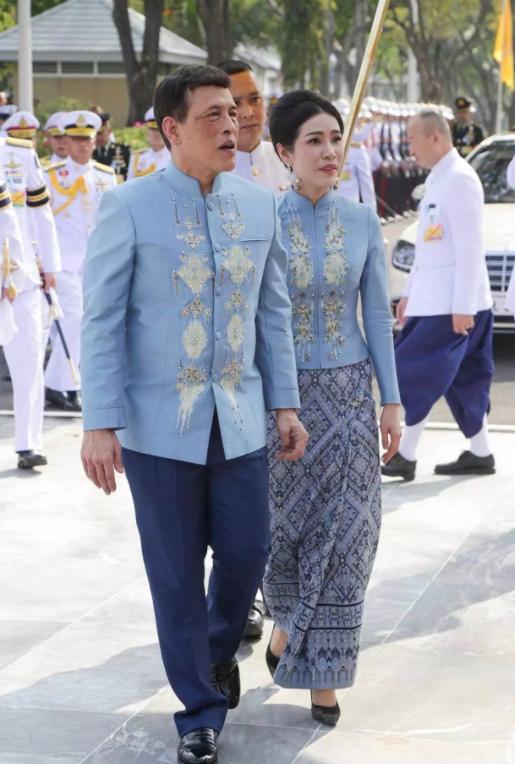 ملك تايلاند وعشيقته