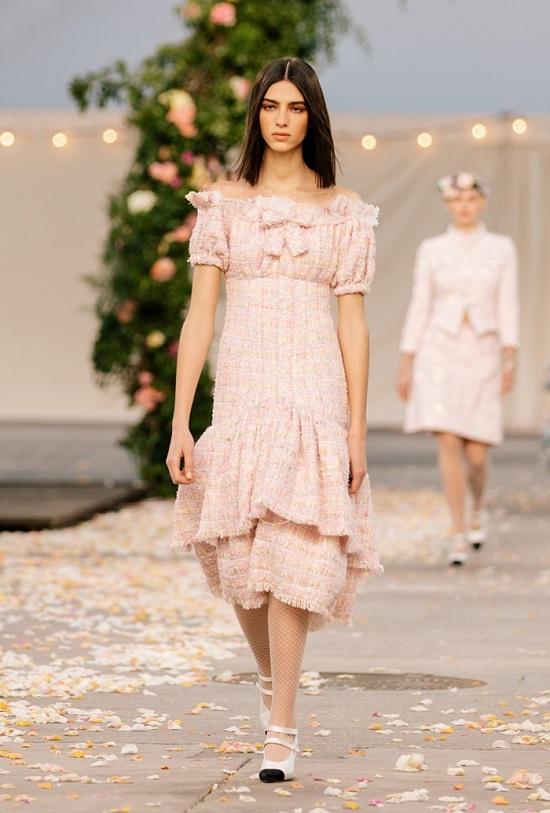 فستان الربيع والصيف من شانيل