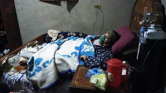 السيدة يسرية عطية عبد المجيد الحماقى خلال تلقيها العلاج