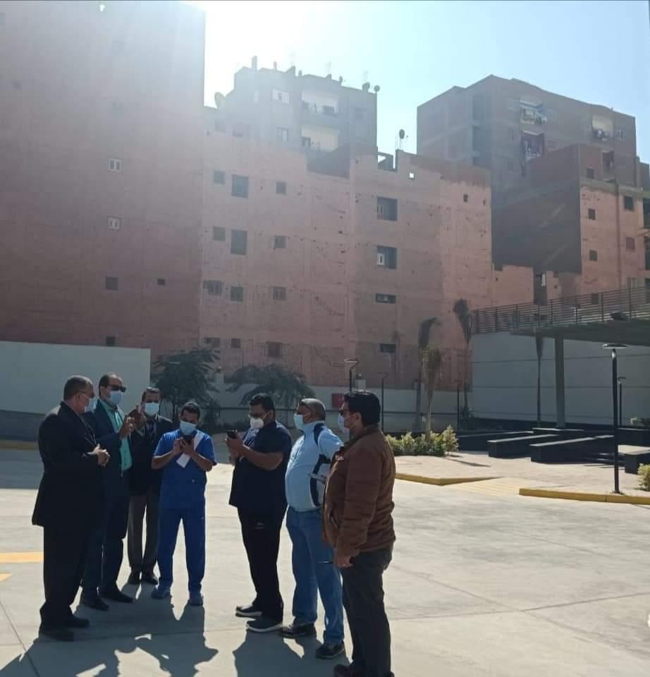 متابعات مستمرة للمستشفيات وشبكات الاكسجين والسكرتير المساعد يتفقد مستشفى أبوتيج النموذجي (1)