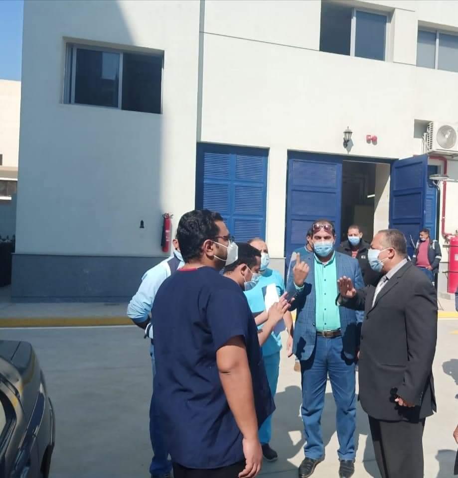 متابعات مستمرة للمستشفيات وشبكات الاكسجين والسكرتير المساعد يتفقد مستشفى أبوتيج النموذجي (7)