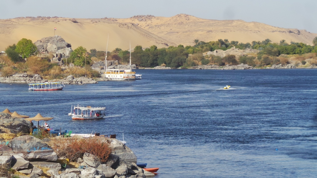 النيل فى غرب سهيل