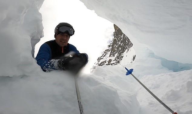 لحظة سقوط متزلج ونجاه من الموت في جال الألب الفرنسية (3)