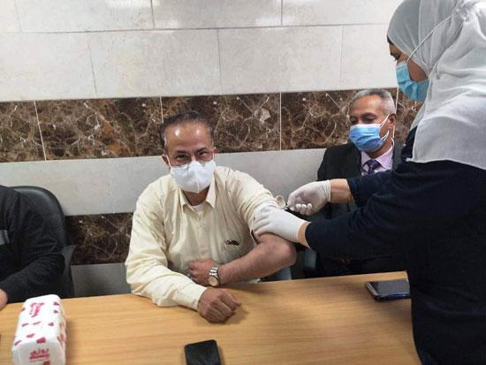 جانب-من-تلقى-قيادات-صحة-القليوبية-للقاحات