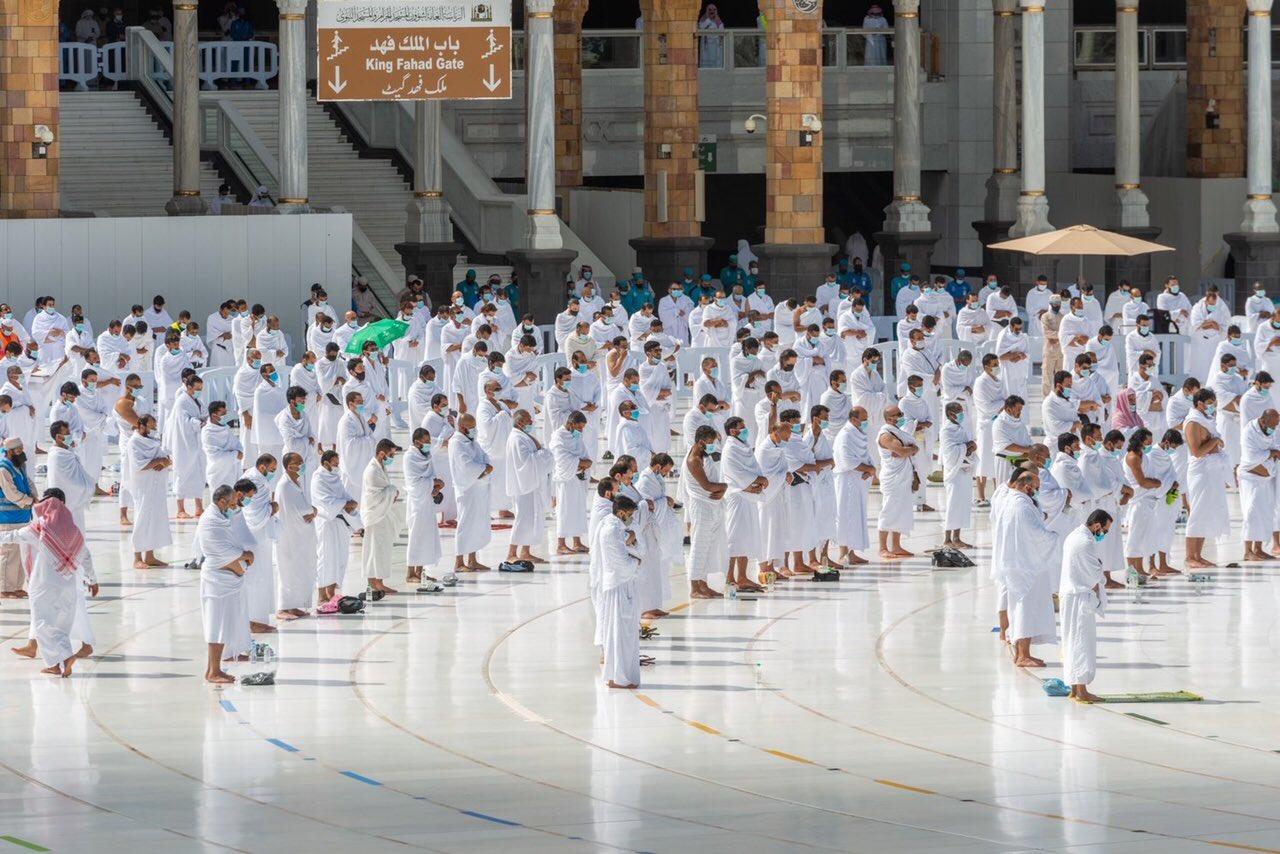 صلاة الجمعة فى المسجد الحرام  (2)