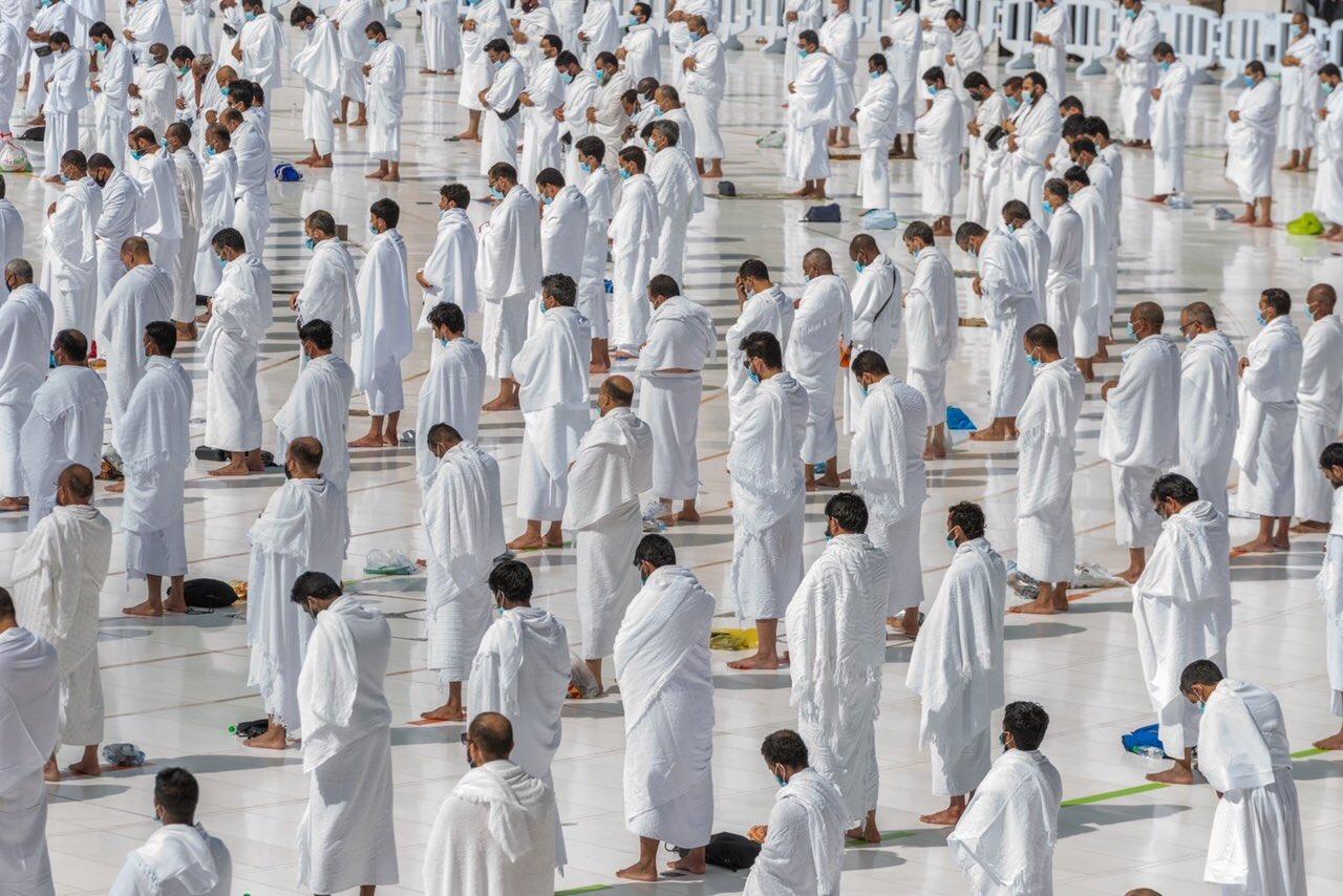 صلاة الجمعة فى المسجد الحرام  (1)