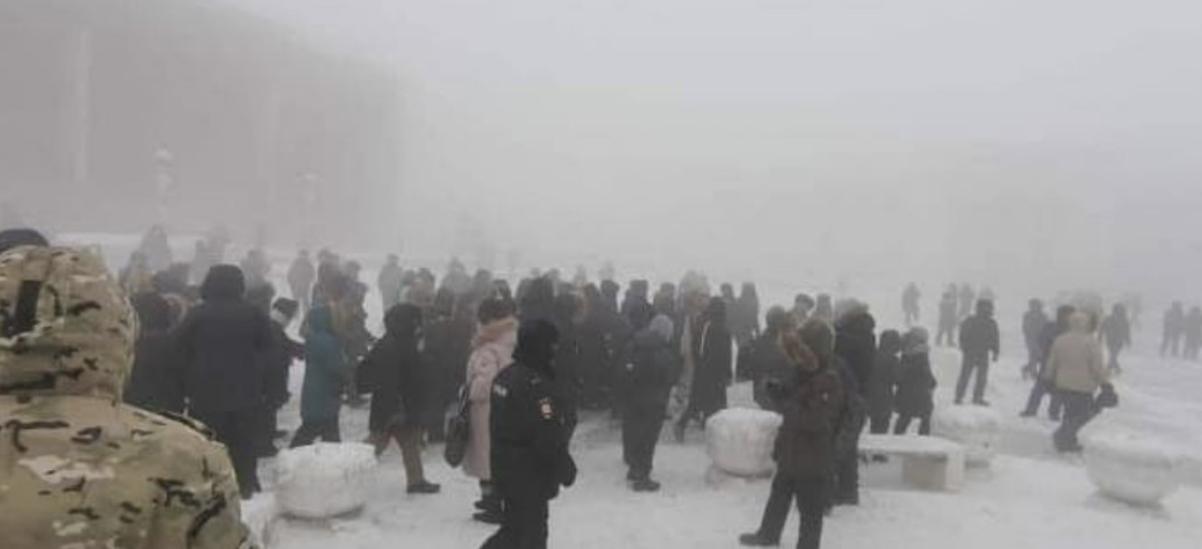 المظاهرات وسط الثلوج