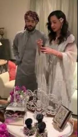 سيدة أعمال سعودية مع زوجها