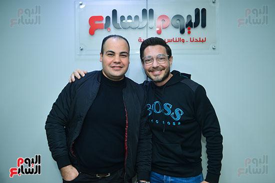 الفنان أحمد زاهر والكاتب الصحفى عمرو صحصاح رئيس قسم الفن