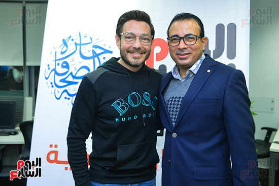 الفنان أحمد زاهر والكاتب الصحفى دندراوى الهوارى