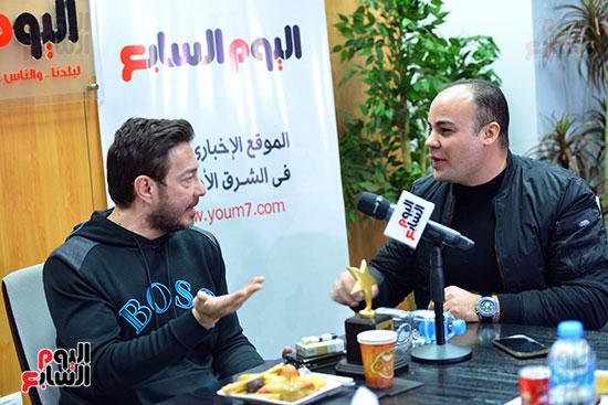أحمد زاهر فى ندوة قسم الفن مع عمرو صحصاح