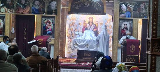 كنائس القاهرة تستأنف القداسات (13)
