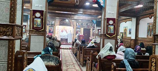كنائس القاهرة تستأنف القداسات (15)