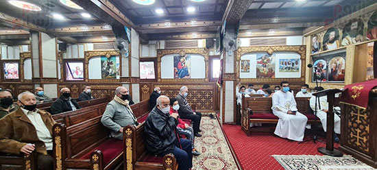 كنائس القاهرة تستأنف القداسات (14)