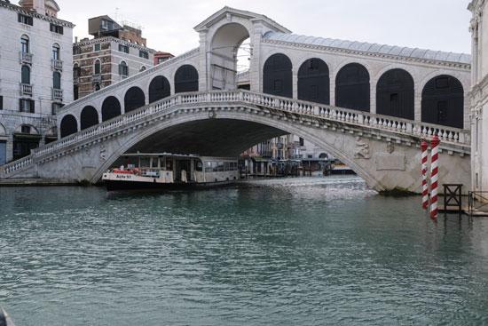 إلغاء مهرجان البندقية فى روما (5)