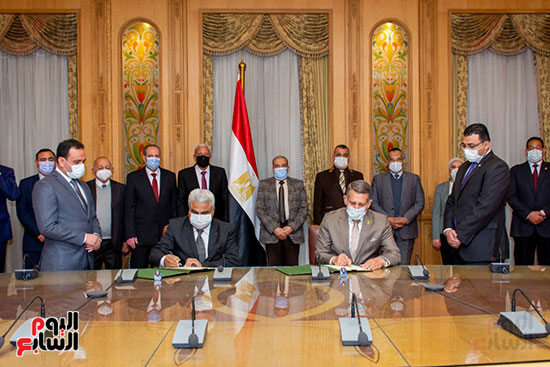 توقيع بروتوكول تعاون بين الإنتاج الحربى ونادي الزمالك لإنشاءات جديدة (1)
