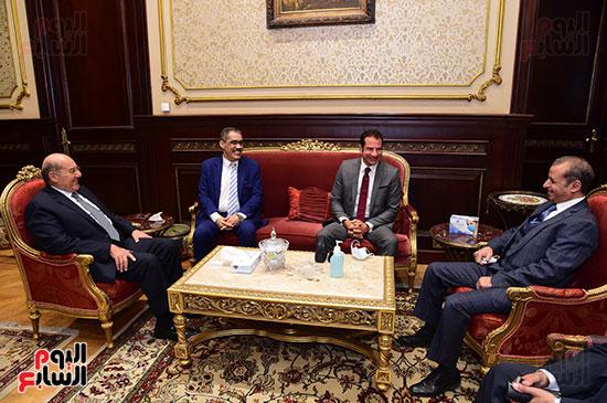 زيارة رشوان لمجلس الشيوخ (4)