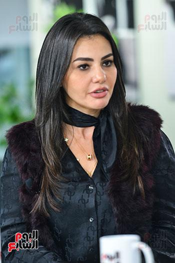 دينا فؤاد فى لقاء لتليفزيون اليوم السابع (2)