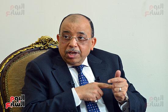 وزير التنمية المحلية فى أجرأ حوار مع خالد صلاح على تليفزيون اليوم السابع (5)