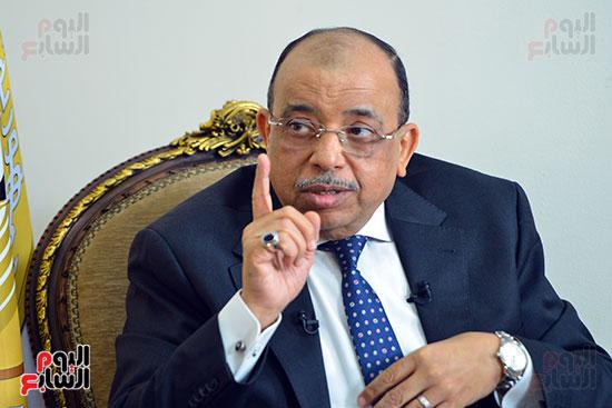 وزير التنمية المحلية فى أجرأ حوار مع خالد صلاح على تليفزيون اليوم السابع (9)