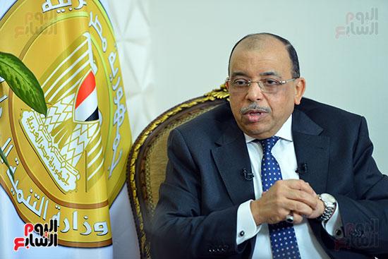 وزير التنمية المحلية فى أجرأ حوار مع خالد صلاح على تليفزيون اليوم السابع (8)