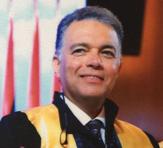 الدكتور هشام عرفات