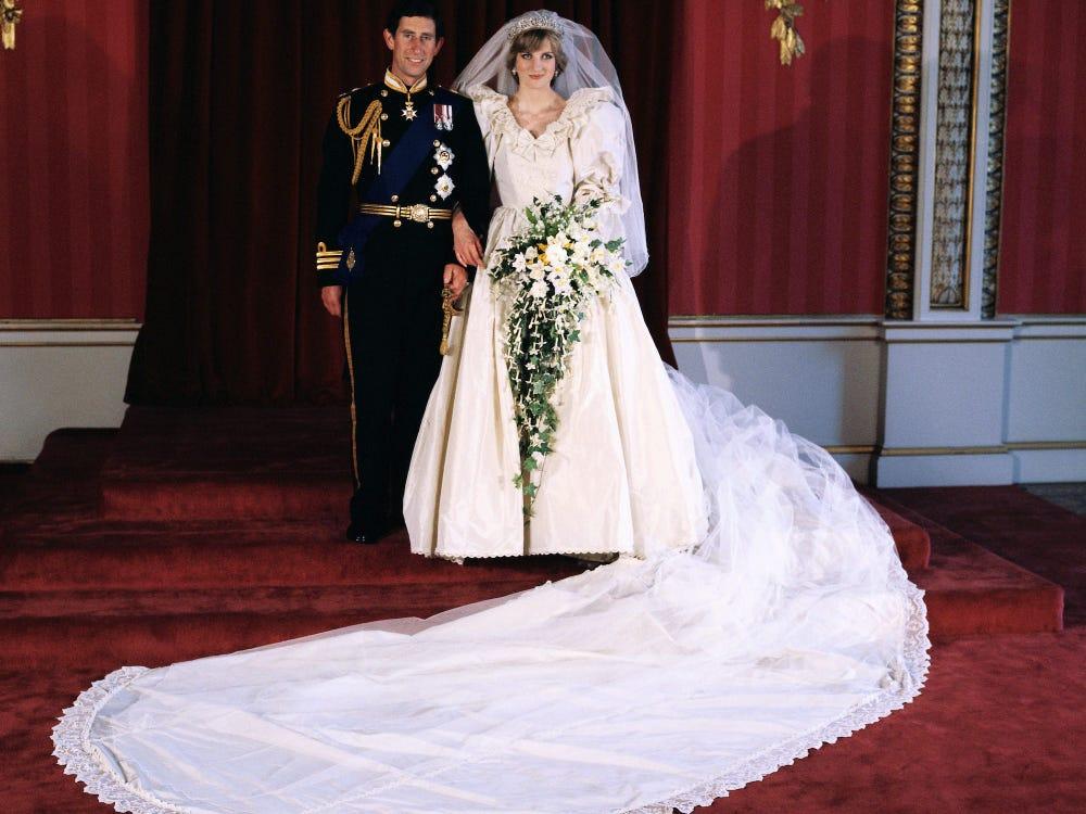 فستان زفاف ديانا