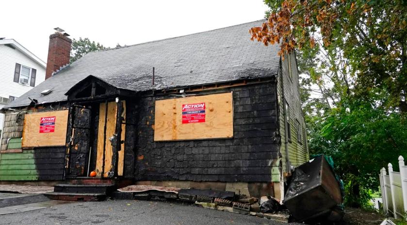 المنزل المحترق فى بوسطن