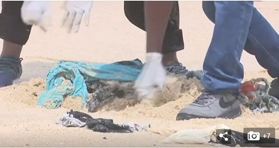 Environmental disaster in Ghana due to poor British clothing (5)