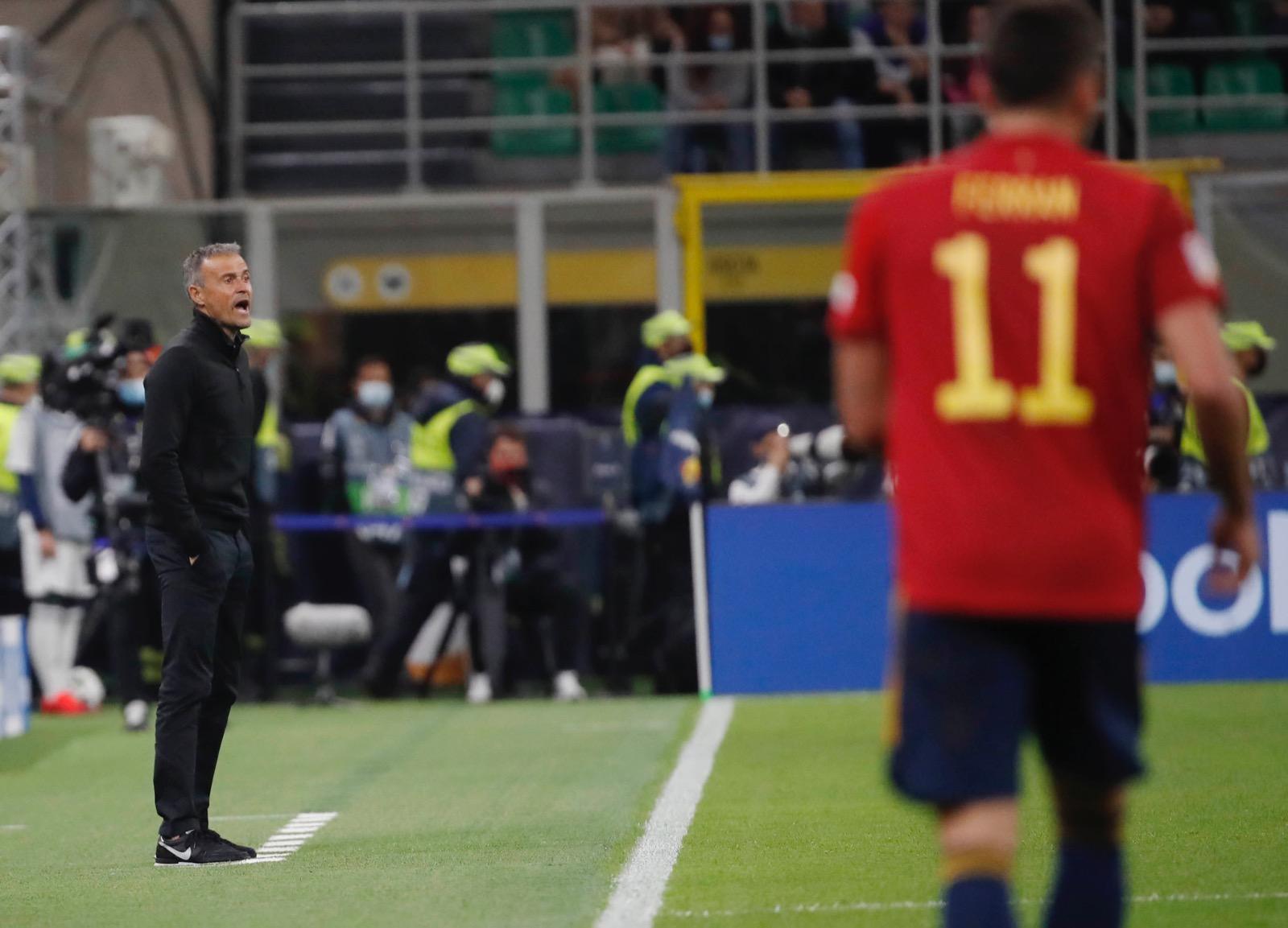 لويس إنريكى مدرب إسبانيا