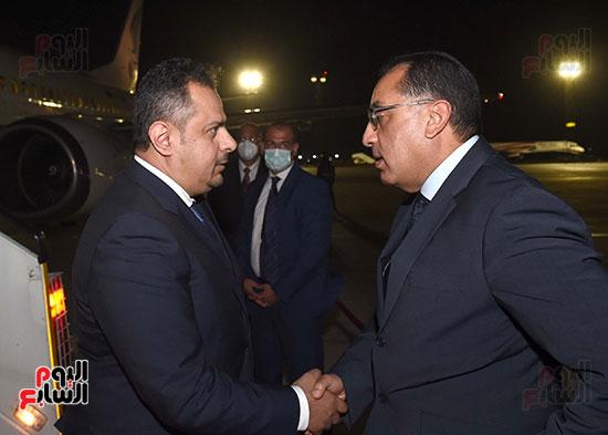 رئيس مجلس الوزراء يستقبل نظيره اليمنى (2)