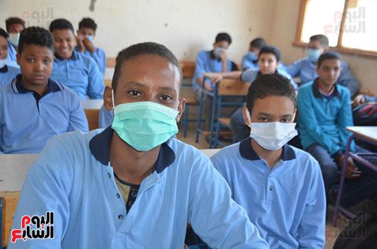 طلاب قرى الأقصر فى أول أيام المدارس