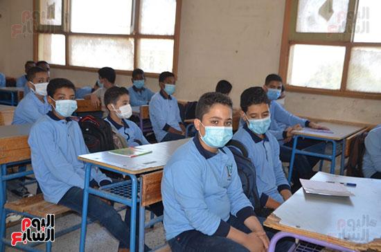 طلاب الأقصر فى مدارس القرى والنجوع