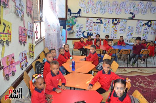 تلاميذ الحضانة فى مدارس قرى الأقصر