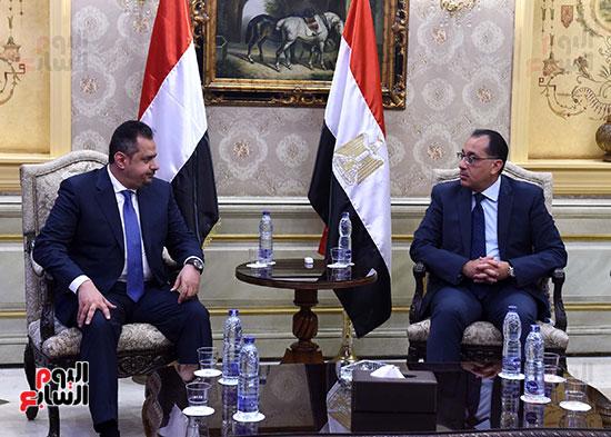 رئيس مجلس الوزراء يستقبل نظيره اليمنى (9)